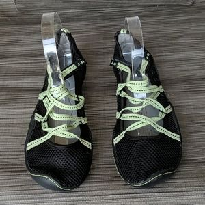 J-41 Barefoot Design Genesis Vegan NWT Shoes 8